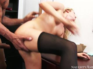 Hot secretaries get fucked by thier boss