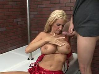 Sexy Rhyse Is A Best of Breed Cougar!
