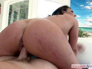 Cock riding brunette gets her share of fun