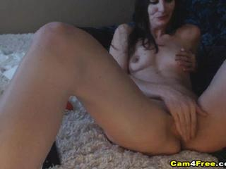 Horny Girl Get Pussy Lick And Swallow Cum