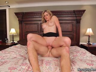Hot blonde housewife fucked and got a facial