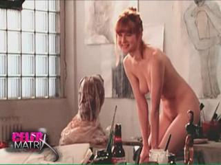 Lovely Star Displays Nude Frame For Painter